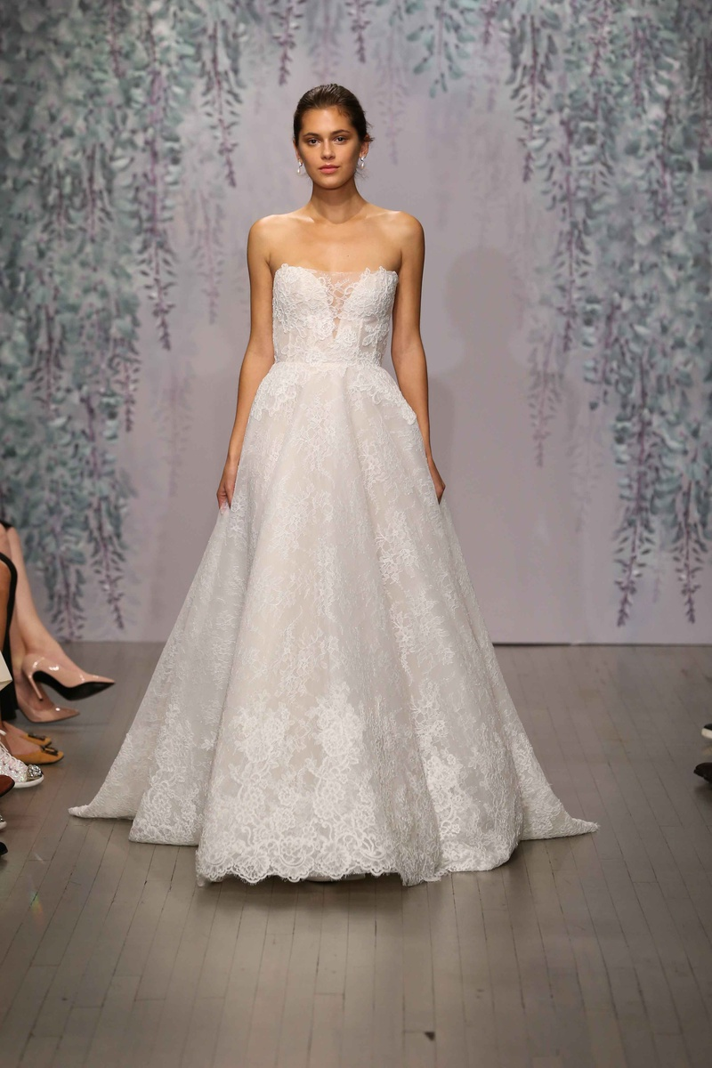 strapless lace wedding dress Strapless lace wedding dress by Monique Lhuillier Fall