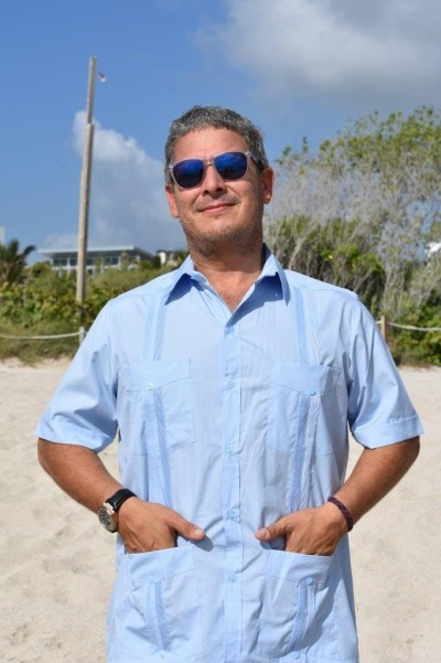 D'Accord Men's Guayabera Short Sleeve the Best Fitting on the Planet