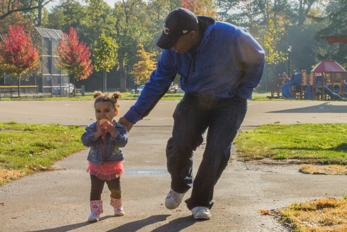 Dads in the Limelight ( #limelightdads ) - Mike Armstrong ( @mikedaddyreal ) #dadchat