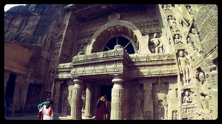 ajanta caves, ellora caves, aurangabad, india, motorcycle through india, rtw trip, dagsvstheworld, dags vs the world, ajanta/ellora caves