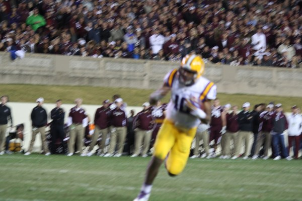 Bog Game for LSU qb Jennings with 119 yrds rushing and 107 passing as LSU beat the Aggies  23-17