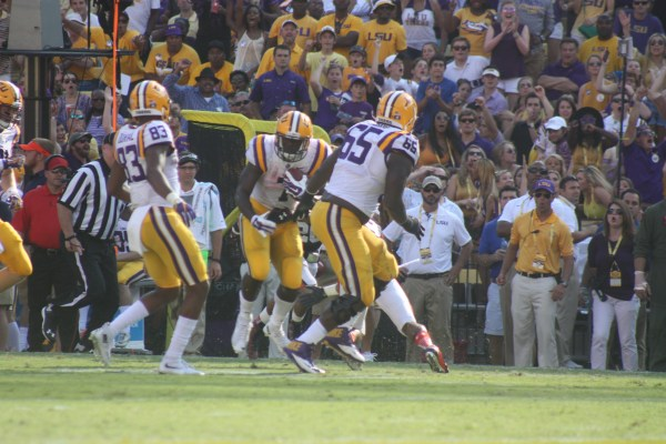 Whoop there goes no.19 as Fournette runs by.