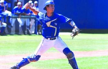 Baseball_vsCSUN-DustinHarris-05112014-13