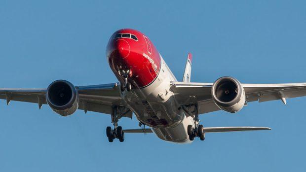 011116-norwegian-air-shuttle
