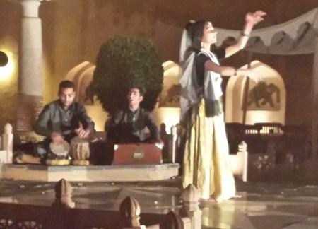 Dancer and Musicians at the Oberoi Rajvilas