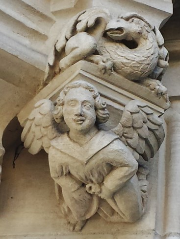Angel and Dragon Hotel de Bourgtheroulde Exterior