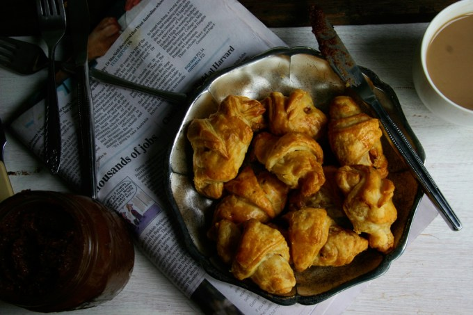 cheat apple and cinnamon croissants
