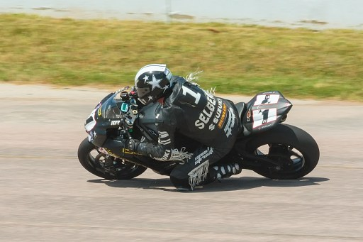 IMG 7092 2 512x341 #1 (#31) MCRA Motorcycle Track Day at Heartland Park Topeka