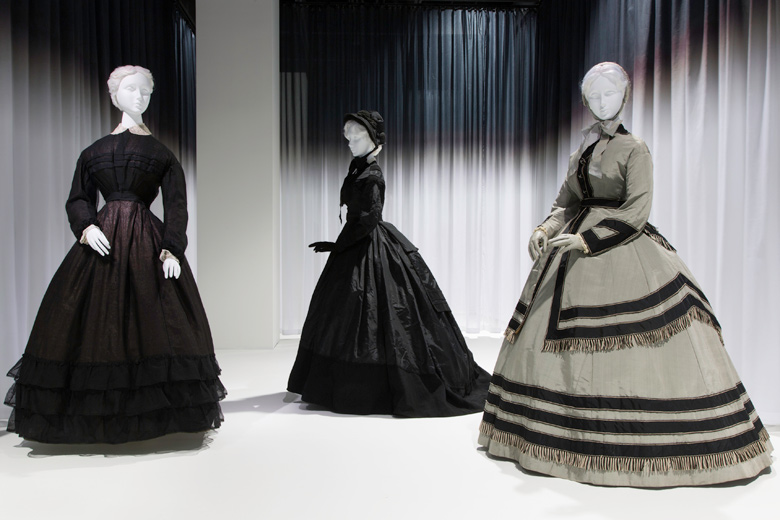 Death-Becomes-Her-Met-Museum-Gallery-View