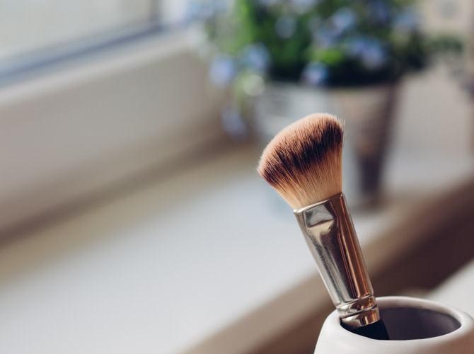 正しい化粧ブラシの洗い方と長持ちさせるお手入れ方法