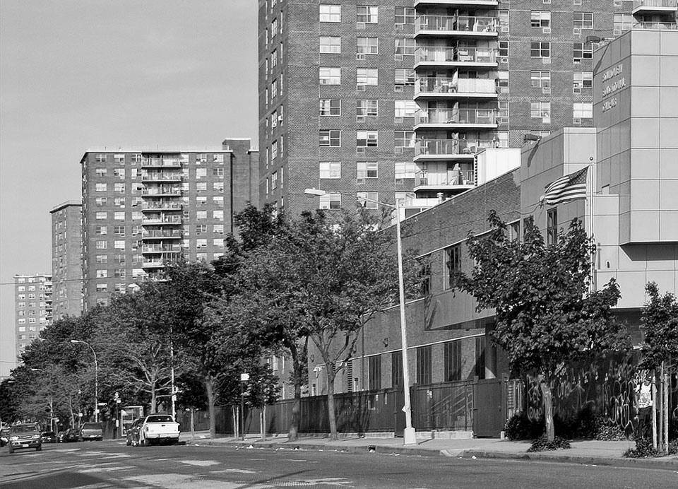 Housing projects in the Bronx. © Dan Deluca. Creative Commons 2.0.