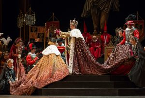 Tamar Iveri as Elisabetta and Alexander as Filippo ll