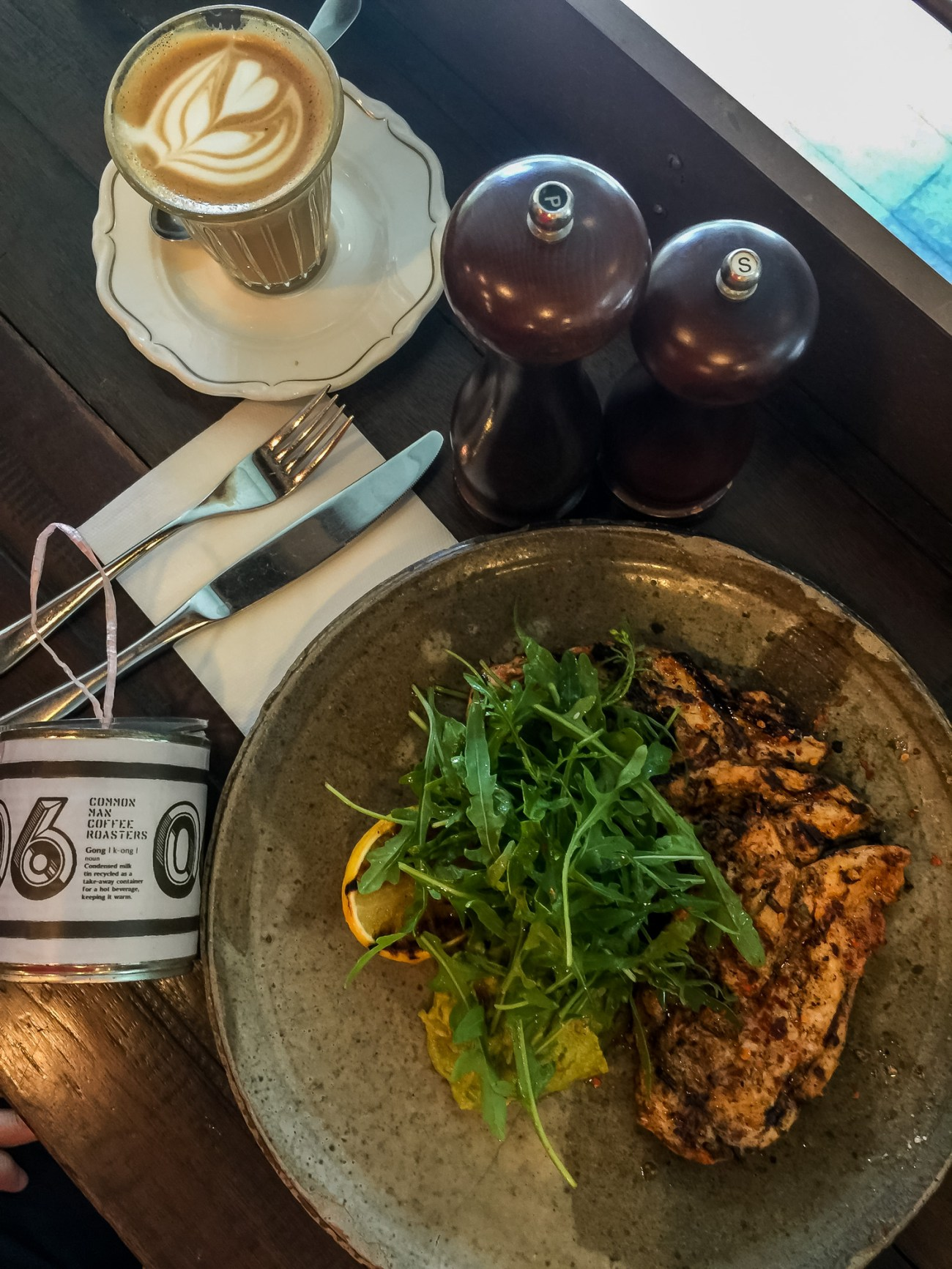 common man coffee roasters singapore cafe-4