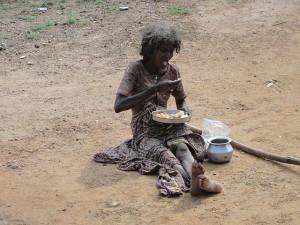 640px-Poor_woman_in_Parambikkulam_India-300x225