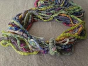 Spiralwolle, handgefärbt, frisch