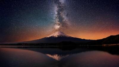 Milky way over Mt. Fuji HD desktop wallpaper : Widescreen : High Definition : Fullscreen
