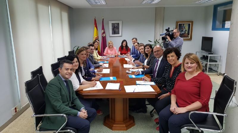 La Comunidad Autónoma implantará el expediente único de servicios sociales en 12 ayuntamientos, entre ellos el de Totana, y 4 mancomunidades