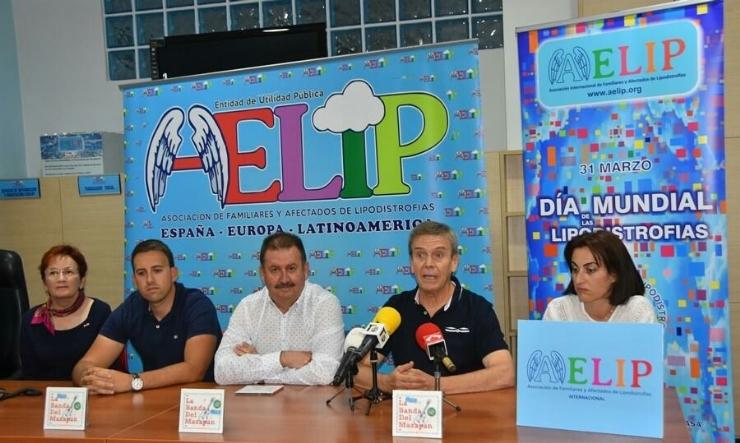 """El grupo """"La Banda del Mazapán"""" edita su primer CD, parte de cuyos beneficios se destinarán a las asociaciones AELIP y AECC"""
