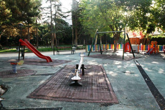 """Se adjudica el contrato para la rehabilitación del área de juegos infantiles del parque municipal """"Marcos Ortiz"""""""