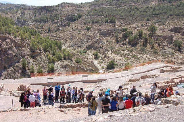 """La Concejalía de Turismo informa que a partir del 1 de junio comienza el horario de verano de las visitas guiadas al yacimiento argárico de """"La Bastida"""""""