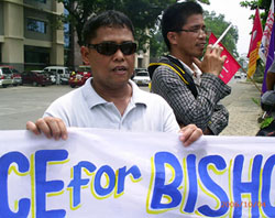 Paul Daguplo, who knew the bishop. (Davaotoday.com photo by Cheryll D. Fiel)