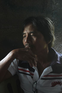 IN DEBT.  Carlos Anacleto shares how lack of government support forced them to go to traders or money-lenders and incur heavy debts.  (davaotoday.com photo by Medel V. Hernani)