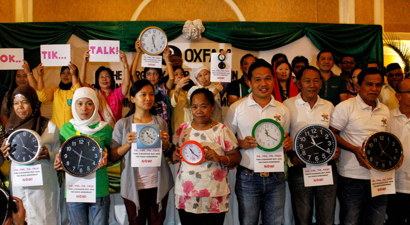 TIME IS RUNNING OUT.  Peace advocates in Mindanao worry that only one of the four annexes contained in the Framework Agreement on the Bangsamoro was signed by the GPH and the MILF panels.  On Thursday in Davao City, they called for the resumption of the peace talks and the signing of the annexes as there are only 1,000 days left before the FAB's deadline.  (Medel V. Hernani/davaotoday.com)