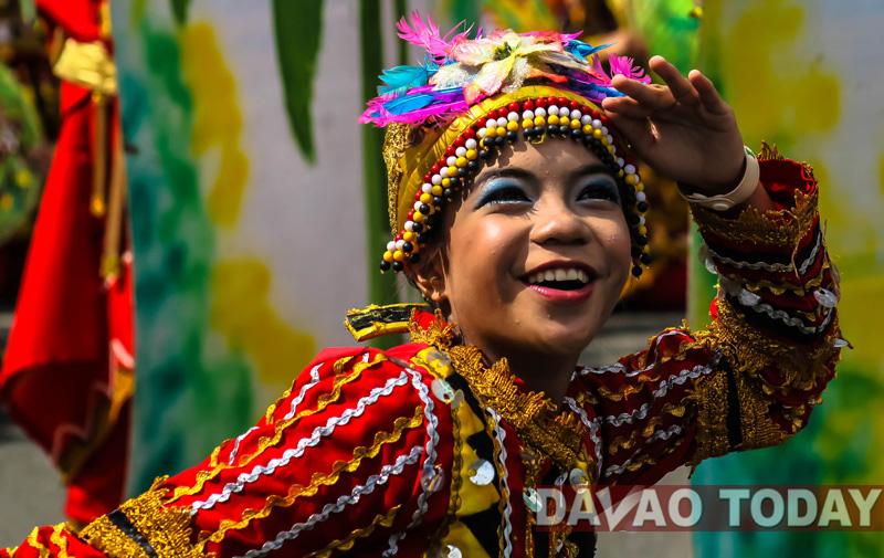 Kadayawan 2013's Indak-Indak : A Kaleidoscope