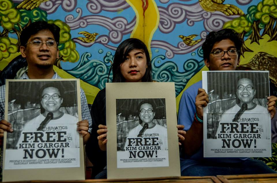 FREE KIM GARGAR Kim Gargar's sister (center) and colleagues from the scientist group AGHAM demand for his immediate release, as they slammed the illegal arrest and vilification by the Philippine Army against the scientist. (contributed photo)