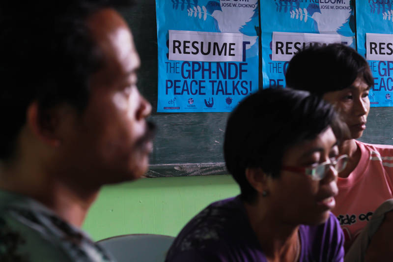 "NDF OKs release of 5 ""POWs,"" families plea for safe conduct"