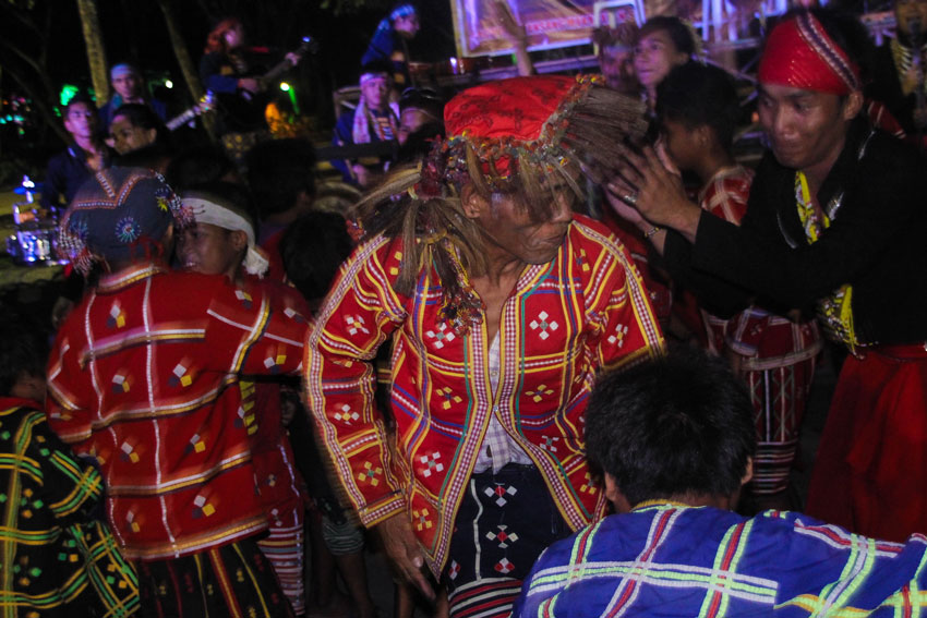 SOLIDARITY DANCE OF KALIWAT THEATRE & TALAINGOD MANOBOS
