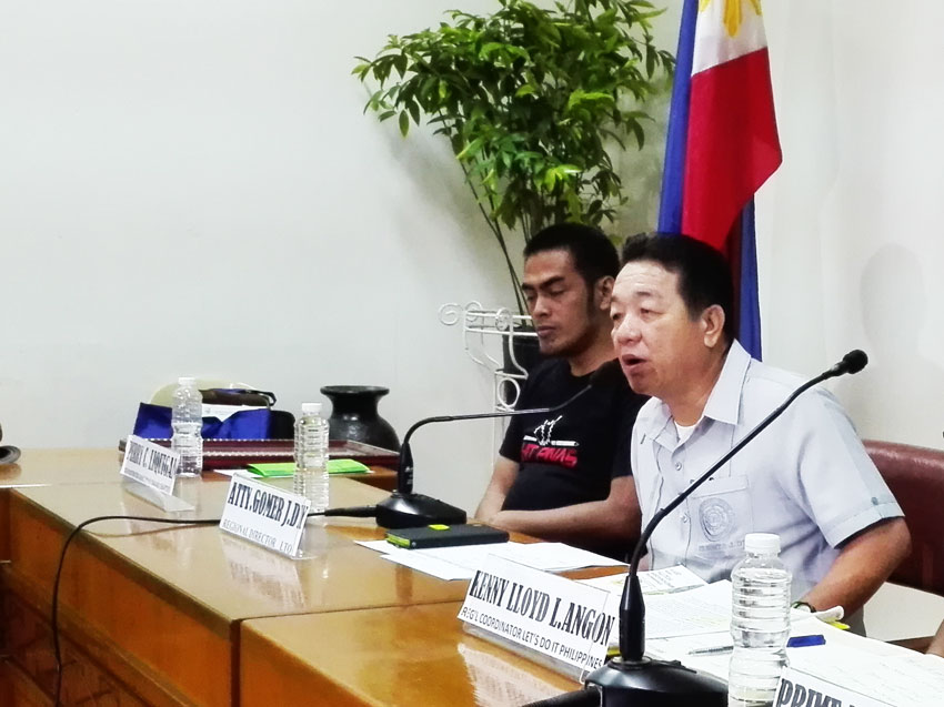 "Regional Director Atty. Gomer Dy appeals to the public not to deal with fixers. He said on ""normal operations"" a license renewal would only take 30 minutes. (John Rizle L. Saligumba/davaotoday.com)"