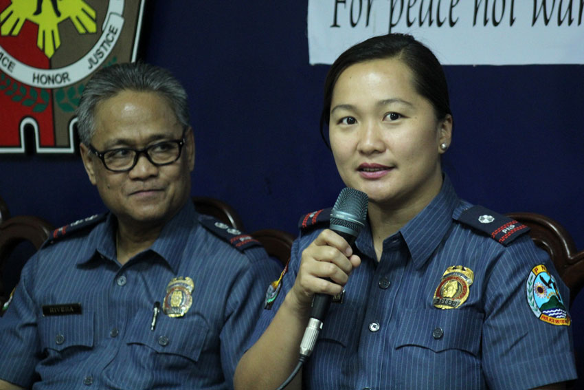 Police Senior Inspector Andrea dela Cerna is the newly-appointed spokesperson of Police Regional Office XI. Dela Cerna is replacing Senior Superintendent Antonio Rivera (left) who will be assigned to Davao City Police Office. (Ace R. Morandante/davaotoday.com)