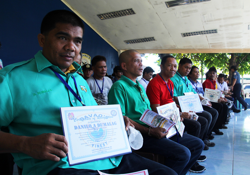 26 honest cabbies get recognition