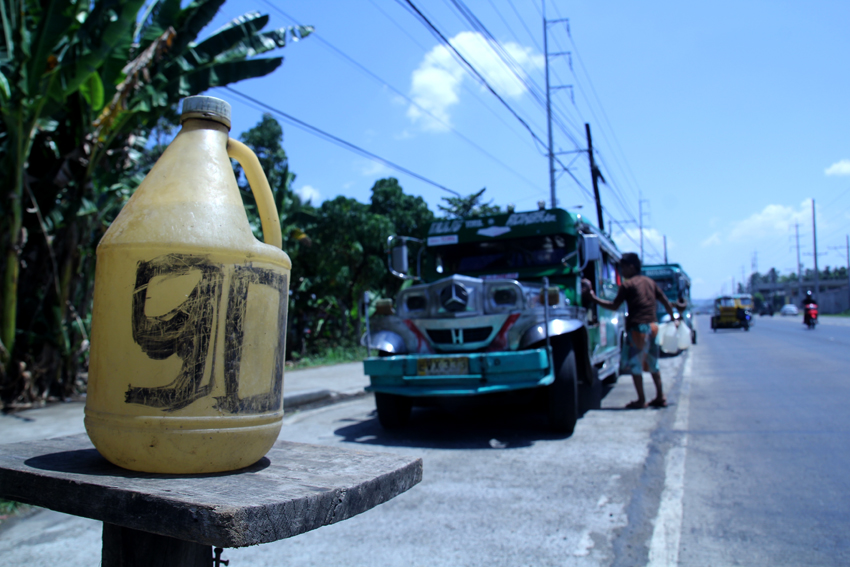 LGU asked to run after illegal petrol vendors