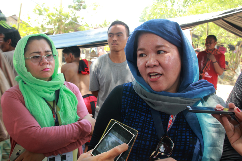 On Monday, April 25 DSWD Region 12 official Norhata Benito visits the camp and informed the leaders that their agency through the national office will provide 2,000 sacks of rice for the farmers so they can go home to their respective provinces. (Ace R. Morandante/davaotoday.com)