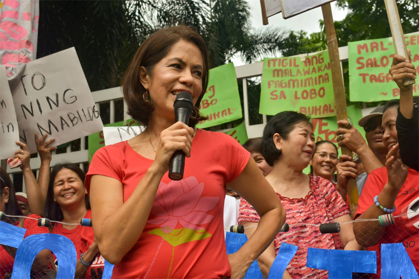 Green group hits Palace's 'flip-flop' on mine closure