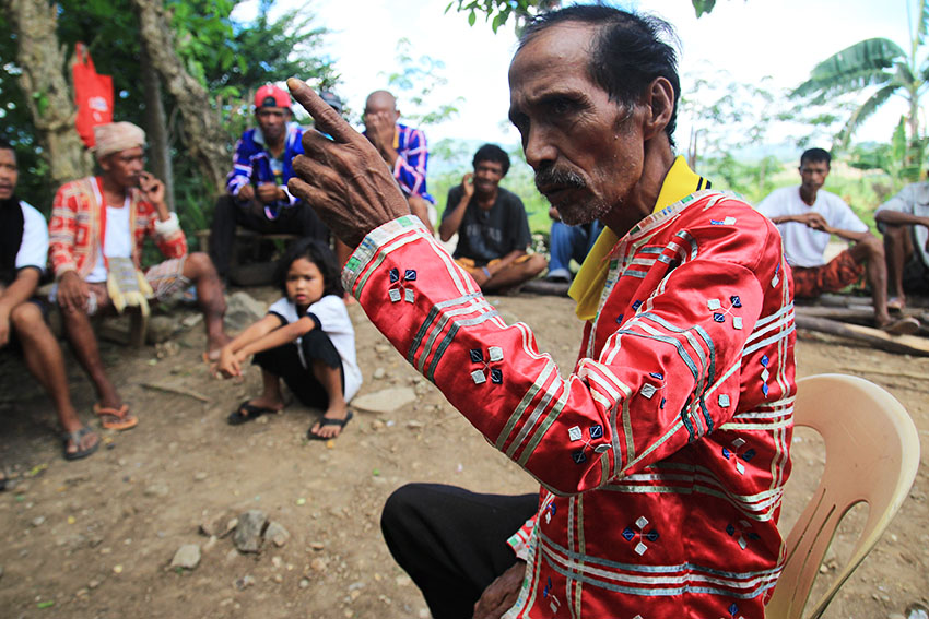 UNFAIR. Datu Gunding, leader of a community of Manobos in Sitio Katindo, Brgy. Malibatuan in Arakan, North Cotabato, laments the unfair trade practices that beset Lumad farmers. He said that after four months worth of labor in the fields, even a bountiful harvest of corn only yields him roughly P1,000 after the additional costs of shelling and trucking. (Paulo C. Rizal/davaotoday.com)