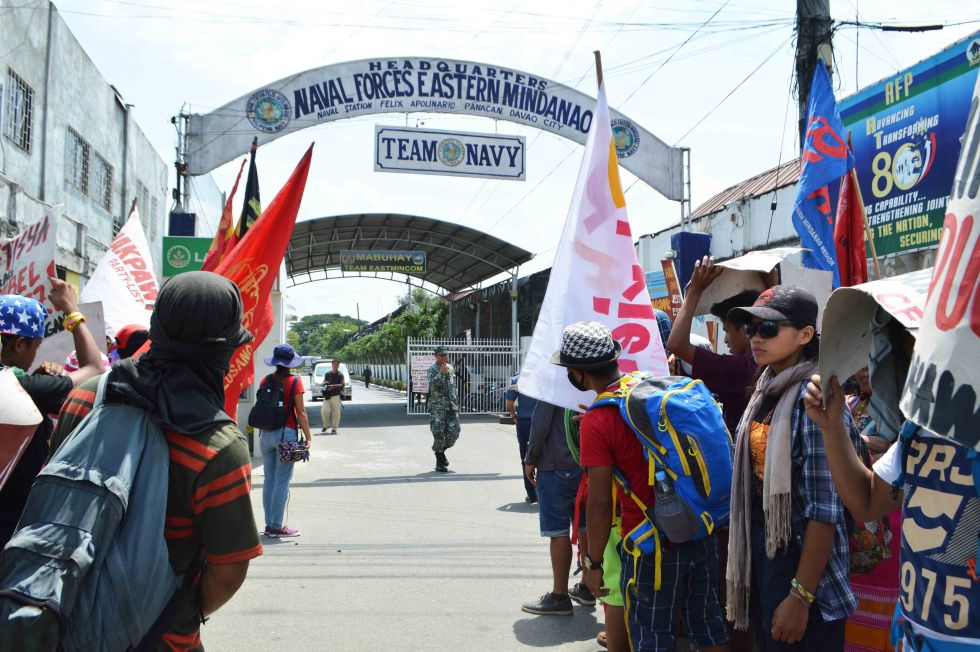 Pasaka Confederation of Lumad organizations in Southern Mindanao stages a protest in front of the military Camp Panacan in Davao City , condemning militarization, human rights violation and military encampment in schools and communities on Friday morning, August 26, 2016. (Medel V. Hernani/davaotoday.com)