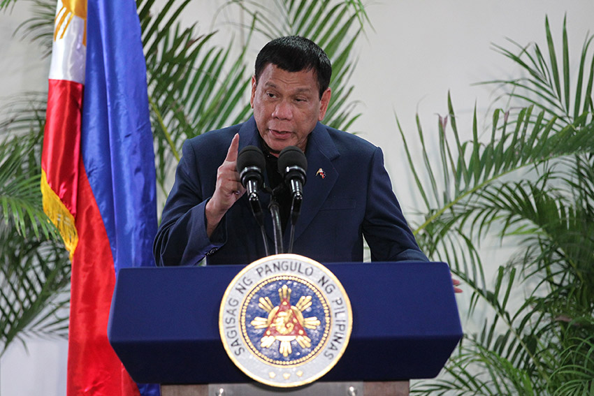 """President Rodrigo Duterte clarifies his statement regarding the """"separation"""" with the United States saying there is no cutting of diplomatic ties, but only a separation of foreign policy. (Earl O. Condeza/davaotoday.com)"""
