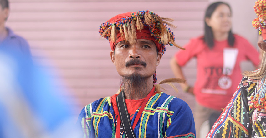 Gombil Mansimuy-at, one of the village leaders of Sambulongan, Talaingod, Davao del Norte. (photo by Jan Khim Gamora)