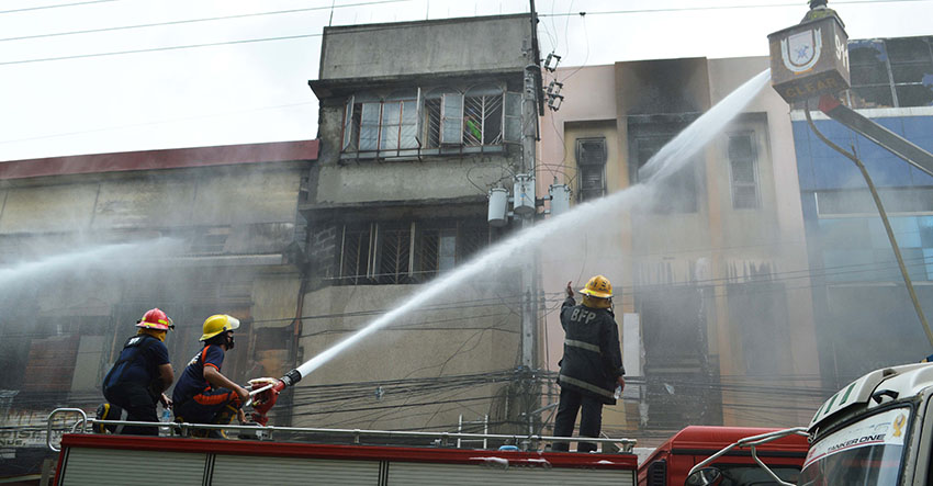 Fire razes commercial stores, at least 20 houses in Davao