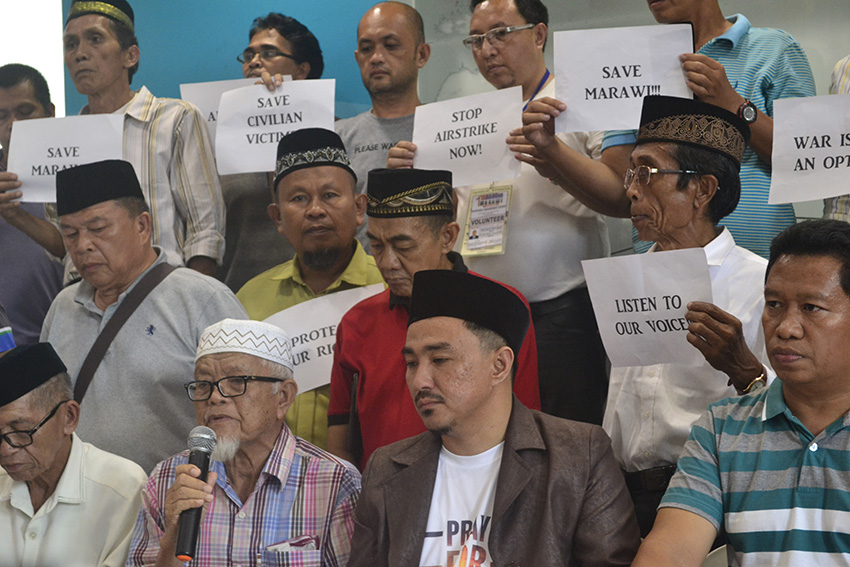 Maranao traditional leaders plead to Duterte: declare ceasefire, stop airstrikes in Marawi