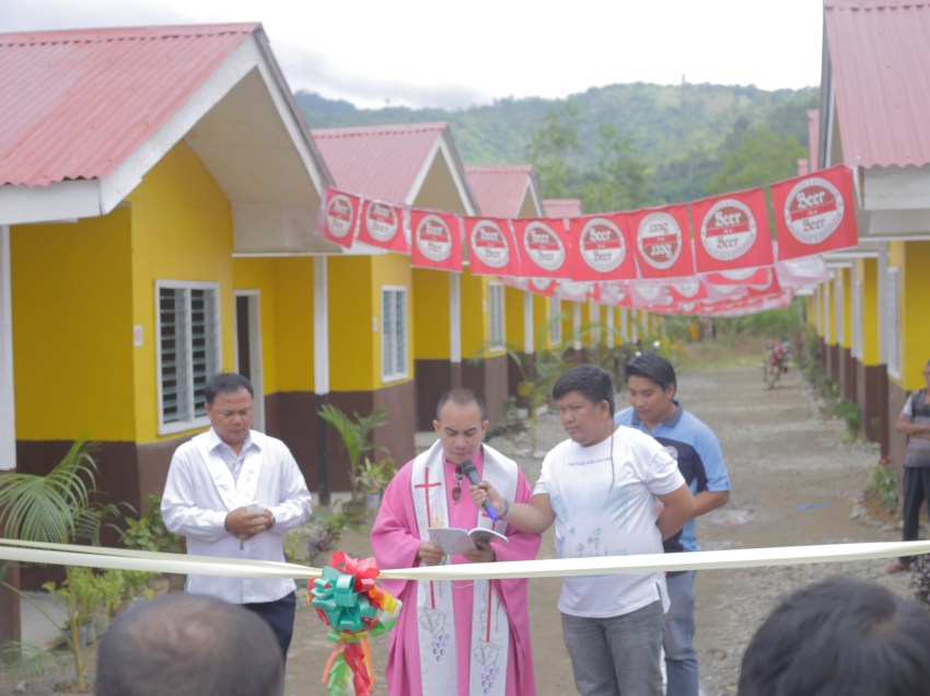 Maco residents in landslide areas receive housing units