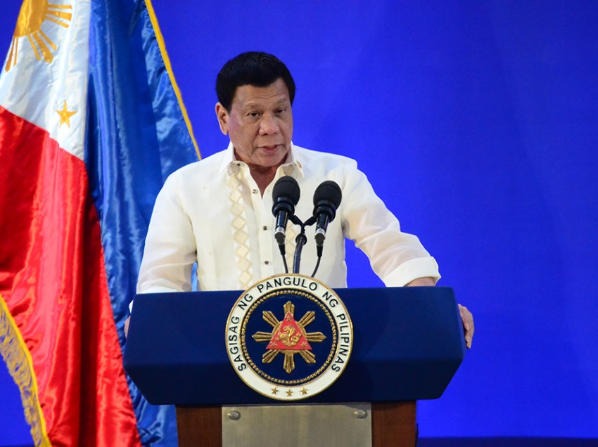 Duterte 'not averse' to resuming talks with Reds
