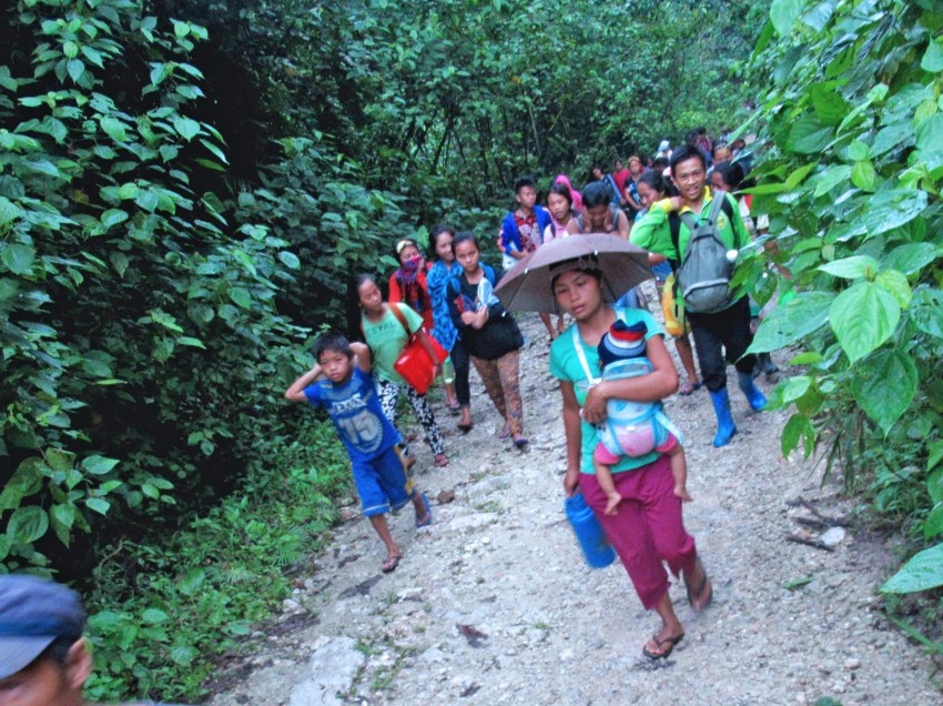Lumad communities flee homes anew in Surigao