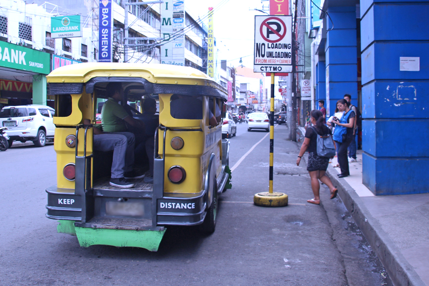 CTTMO to enforce 20-second parking rule for PUVs