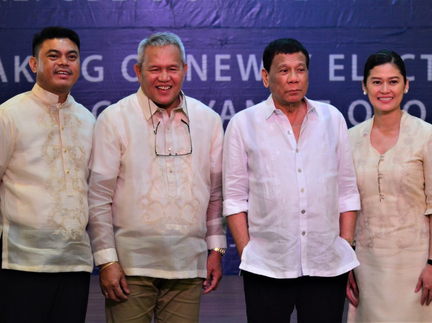 Duterte makes good on his promise, swears in elected Oro officials