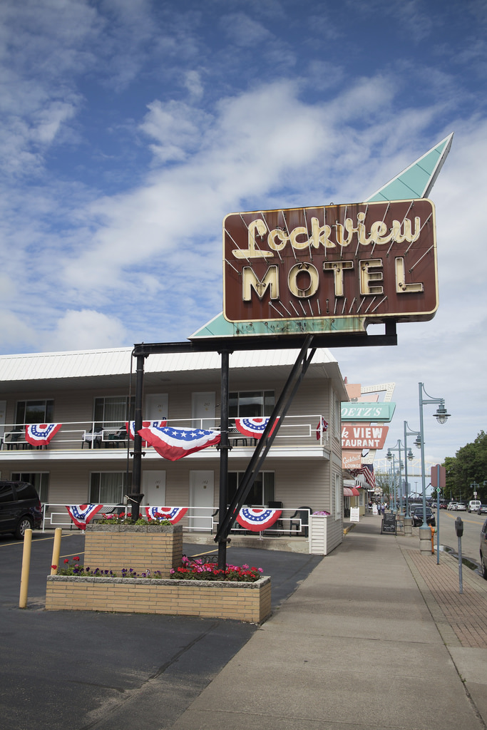 Lockview Motel