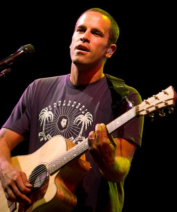 "Jack Johnson - UCSB Arts & Lectures 8/27/08 ""Sleep Thru the Static"" World Tour - Harder Stadium"